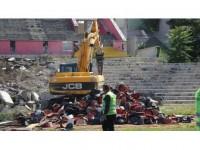 Eskişehir'de 'Millet Bahçesi' İçin Stadın Yıkımına Başlandı