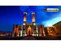 Çifte Minareli Medrese'ye Turist İlgisi
