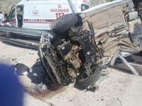Adıyaman, Gölbaşı'nda Otomobil Bariyerlere Çarptı: 1 Ölü, 3 Yaralı