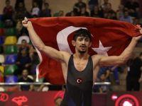 Milli Güreşçi Kerem Kamal'dan 60 Kiloda Altın Madalya