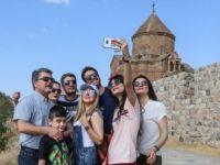 Binlerce İranlı Van'daki Otelleri Doldurdu