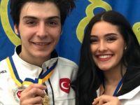 Milli Sporcular Akalın ve Kelly Buz Pateninde Altın Madalya Kazandı
