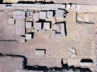 Asos Antik Kentin'de 'Aristios Ailesi'nin 2300 Yıllık Mezarı Bulundu