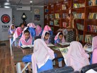 TİKA'dan Pakistan'daki Garibabad Kız Okuluna Kütüphane ve Park