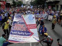 Faslı Eylemcilerden 'Yolsuzluk ve Rüşvetle Mücadele' Çağrısı