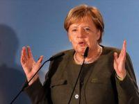 Almanya Başbakanı Merkel: 'Suudi Arabistan'a Silah İhracatı Yapılmayacak'