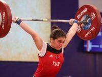 Avrupa Halter Şampiyonasın'da Ayşegül Çakın'dan Altın Madalya