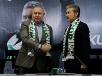 Teknik Direktör Aykut Kocaman, Atiker Konyaspor'a İmzayı Attı