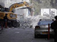 İsrail Güçleri Kudüs'te Filistinlilere Ait 14 Dükkanı Yıktı