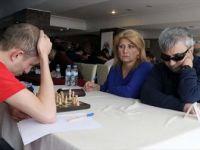 Görme Engelli Gazi 'Körleme' ile Rakiplerini Mat Ediyor