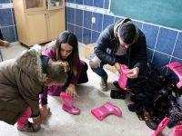 Gurbetçi Futbolcu Cihan Çayan Duman Şanlıurfalı Çocukların Yüzünü Güldürdü