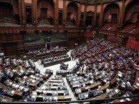 İtalya'nın Tartışmalı Bütçesi Mecliste Kabul Edildi
