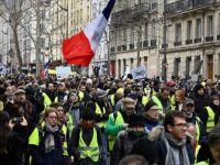 Fransa'da Sarı Yelekliler 12. Kez Sokaklarda