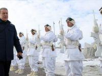 Milli Savunma Bakanı Akar'dan Münbiç ve Fırat'ın Doğusu için Kararlılık Vurgusu