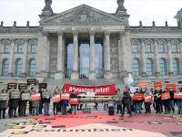 Alman Hükümetinin Silah İhracat Politikası Protesto Edildi