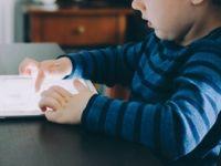 'Bazı Ebeveynler Cep Telefonları 'Bakıcı Anne' Gibi Kullanılıyor'