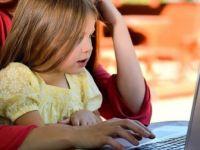 Ailelere 'Siber Zorbalık'la Mücadele Çağrısı