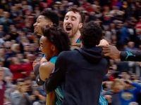 Charlotte Hornets Orta Sahadan Attığı Basketle Kazandı