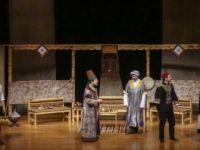'Aşk.. Bir Zamanlar...' Tiyatroseverlerle Buluştu