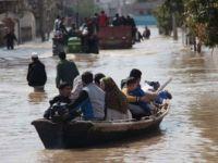 İran'da Sel Felaketi: 11 Kişi Hayatını Kaybetti, 35 Kişi Yaralandı