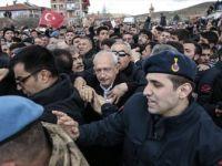 Kılıçdaroğlu: 'Kamuflaj ve Şapkayla Çıkarmak İstediler, Kabul Etmedim'