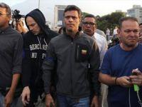 Venezuela'da Muhalif Lider Leopoldo Lopez İspanya Büyükelçiliğine Sığındı
