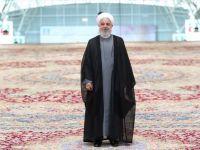 İran 'Dünyanın En Büyük El Dokuma Halısını' Tanıttı