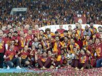 Galatasaray Kulübü Kupayla Kapattı Kupayla Başlıyor