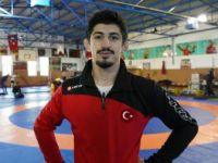 Milli Güreşçi Kerem Kamal Dünya Şampiyonu Oldu