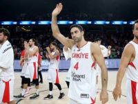 A Milli Erkek Basketbol Takımı Akropolis Turnuvası'nda İtalya'yı Yendi