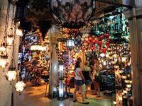 Türkiye'ye Gelen Turistler Alışverişe Doymuyor