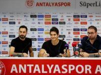 Antalyaspor'un Yeni Transferi Arjantinli Futbolcu Leschuk İmzayı Attı