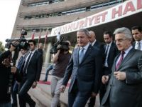 Milli Savunma Bakanı Akar Kılıçdaroğlu'nu Ziyaret Etti