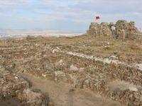 Osmanlı'nın 'İlk'lerinin Yaşandığı Yerleşim: Karacahisar Kalesi