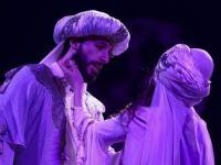 Mecnun'un Leyla'ya Aşkı Devlet Tiyatroları Sahnesinde