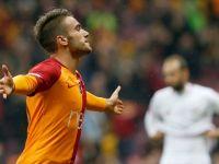 Galatasaray Yunus Akgün İle Sözleşmeyi Uzattı