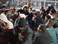 Yunanistan'ın Zorla Gönderdiği 252 Düzensiz Göçmen Yakalandı