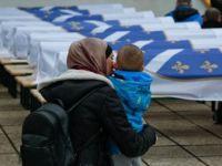 Bosna'daki Savaşta Öldürülen 12 Sivil Boşnak 27 Yıl Sonra Toprağa Verildi
