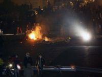 Tahran'da Devlete Ait Binalar Ateşe Verildi