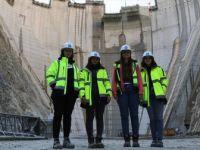 Türkiye'nin En Yüksek Baraj İnşaatına 'Kadın Eli'