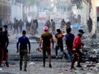 Irak'ta Protestocular Valilik Binasını Ateşe Verdi