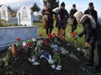 Ceren Özdemir'in Sevenleri Doğum Gününde Mezarını Ziyaret Etti