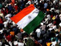 Hindistan'da Gösteri Düzenlemek İsteyen Öğrencilere Polis İzin Vermedi