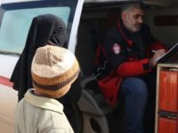 İdlib'de Çadırlarda Yaşayan Ailelere Sağlık Taraması Yapıldı