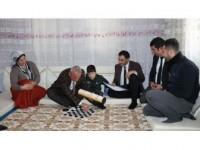 Hakkari'de Engelli Öğrenci Karnesini Evinde Aldı