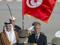 Katar Emiri Resmi Ziyaret İçin Tunus'ta