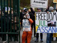 Assange Abd'ye İade Davasında Hakim Karşısına Çıktı