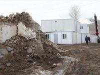 Van'daki Depremzedeler İçin Konteynerin Kurulumuna Başlandı