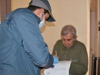 Emekli Vatandaşlara Maaşları Konutlarında Verilmeye Başlandı