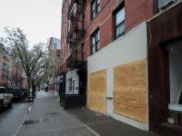 New York'ta Ünlü Mağazalar Yağma İhtimaline Karşı Vitrinlerini Plakalarla Kapattı